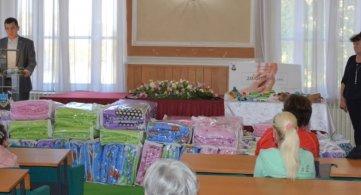 Новорођеним бебама уручени пакети помоћи